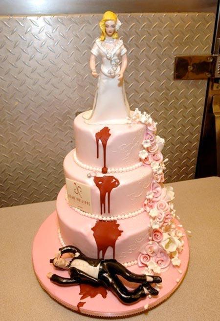 10 wacky wedding cakes   housegoeshome