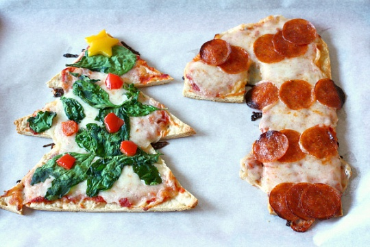 christmas-tree-candy-cane-shaped-pizza-recipes