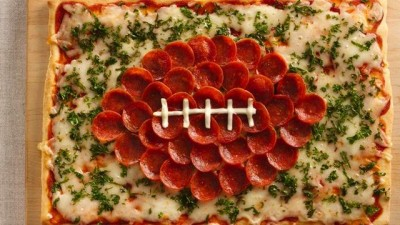 football-pizza-400x225