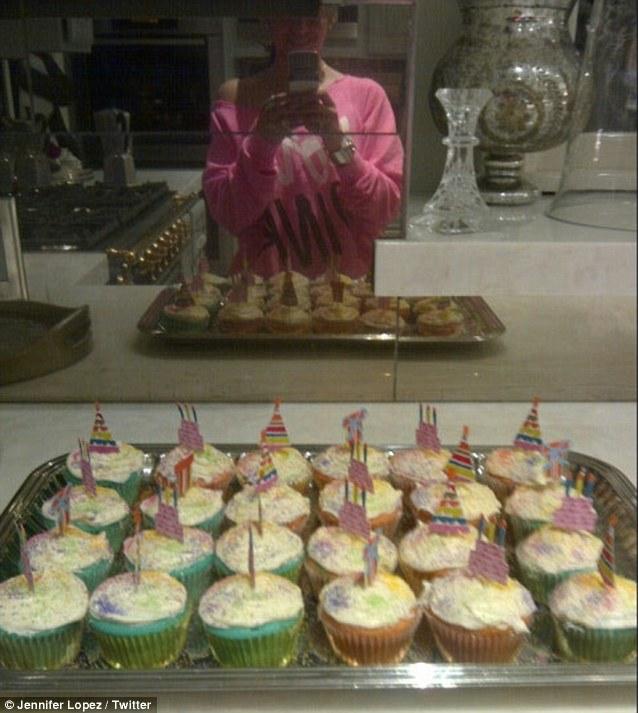 jennifer lopez cupcakes