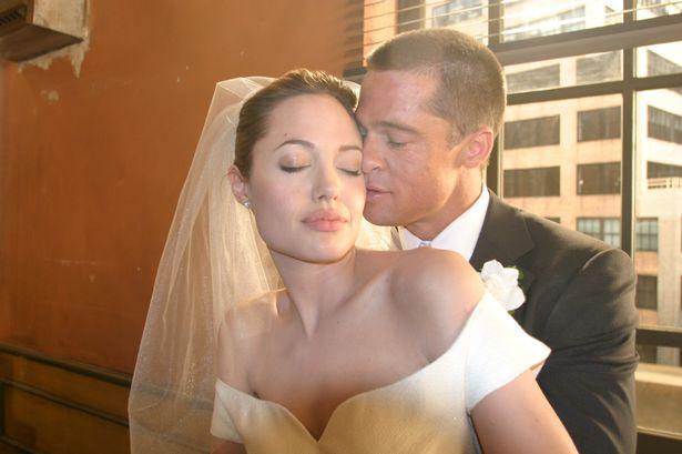 brad-pitt-angelina-jolie-wedding