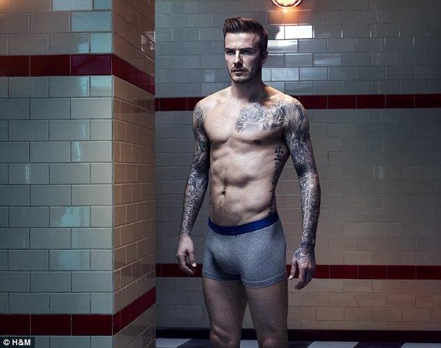 Prall gefllte Unterhose bei David Beckham - Bilder - Jolie