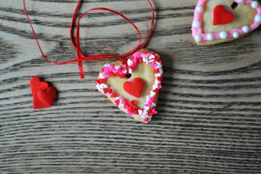 heart cookie necklace