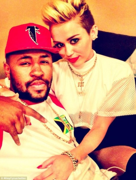 miley-new-boyfriend