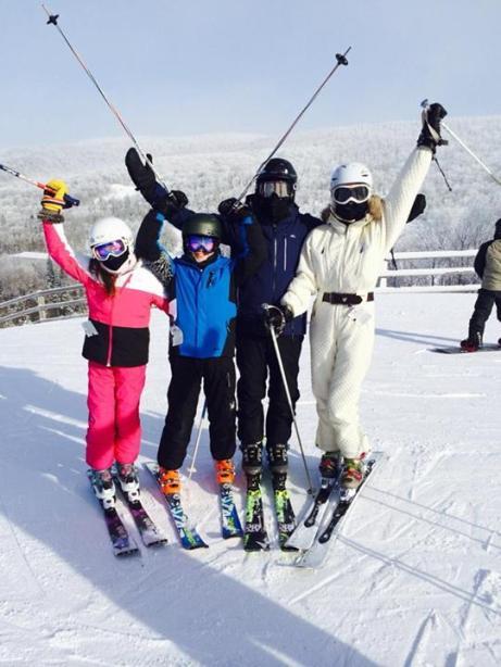 michael-douglas-skiiing
