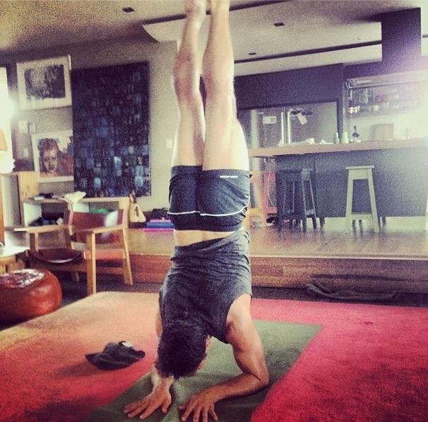 jamie-durie-yoga
