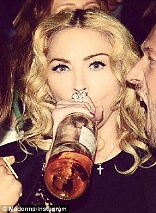 madonna-drinking