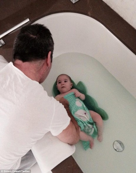simon-cowell-baby-bath