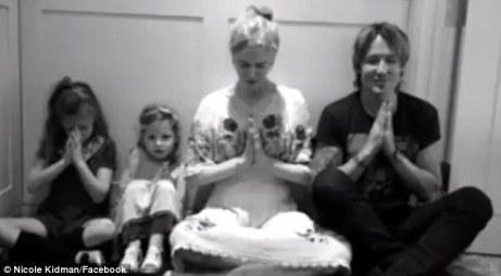 nicole-kidman-praying