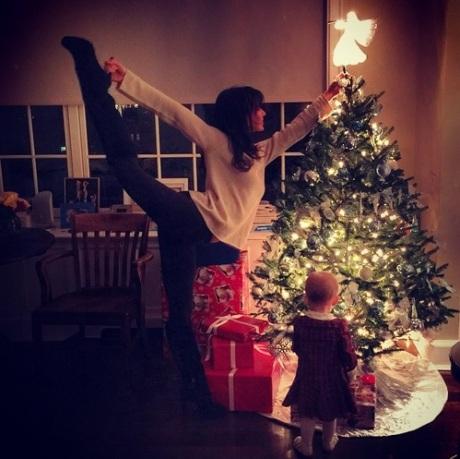 christmas-hilaria-3