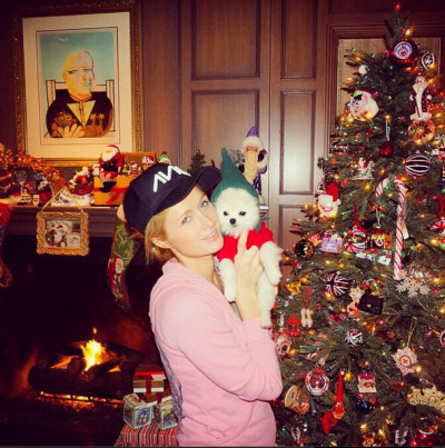 christmas-paris-hilton