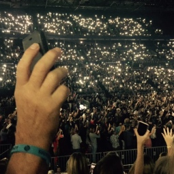 Everyone waved their phone lights at the end, which looked amazing.