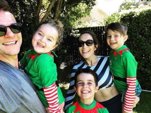 """David Campbell: """"Merry Christmas from all of us to all of you. These elves were on Santa's nice list. Hope you were as well."""""""