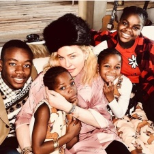 """Madonna: """"Merry X-mas from Mambo and 4 of her 6 unicorns! 🦄🦄🦄🦄+🦄🦄. Sending Much Love 💜💜💜💜💜💜 and many prayers for ☮️ on Earth! Merry X-mas from Mambo and 4 of her 6 unicorns! 🦄🦄🦄🦄+🦄🦄. Sending Much Love 💜💜💜💜💜💜 and many prayers for ☮️ on Earth!"""""""