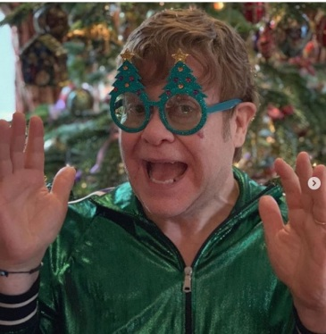 """Elton John: """"Thank-you to all of my wonderful fans for their loyalty and support over the past year. This has been the best year ever and I am so grateful for all the love and kindness you give me. Thank-you! Love, Elton xx #MerryChristmas"""""""