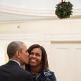 """Barack Obama: """"Enjoy the holiday season with the ones you love."""""""