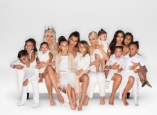 """Khloe Kardashian: """"Merry Christmas!! We all wish you love and harmony. So far this is by far my most favorite of any Christmas. I have all I could ever want. FAMILY."""""""